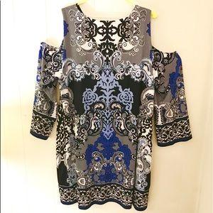 International Concepts cold shoulder dress 🌟🌟